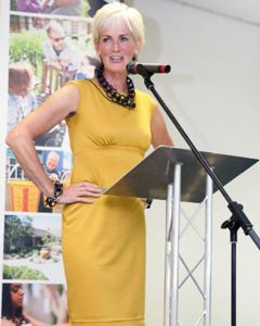 Judy Murray wearing the Pippa Shift Dress (Artisan Gold)