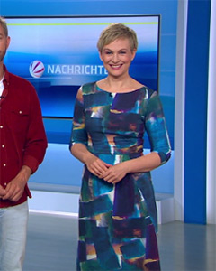 Karen Heinrichs wearing the Emily Shift Dress (Painterly Blue)