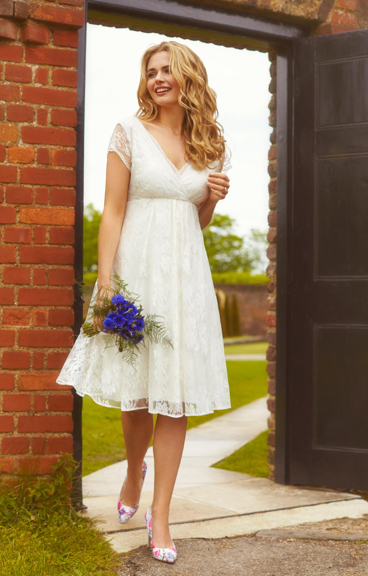 4200530b5ff ... Evangeline Wedding Dress Ivory Dream by Alie Street